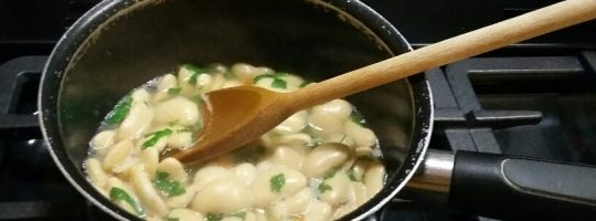 Chilli and mint butterbeans